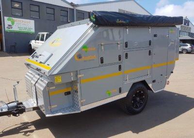Afrispoor-Caravan-Cheetah-Slide-Open
